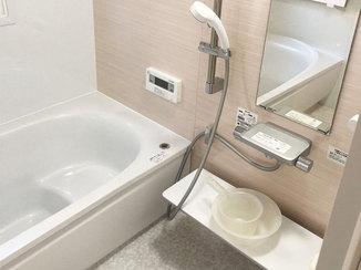 バスルームリフォーム お湯が冷めにくくなる対策をした、安全に入浴できる浴室