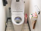 トイレリフォーム高性能な便座がついた、明るく使いやすいトイレ